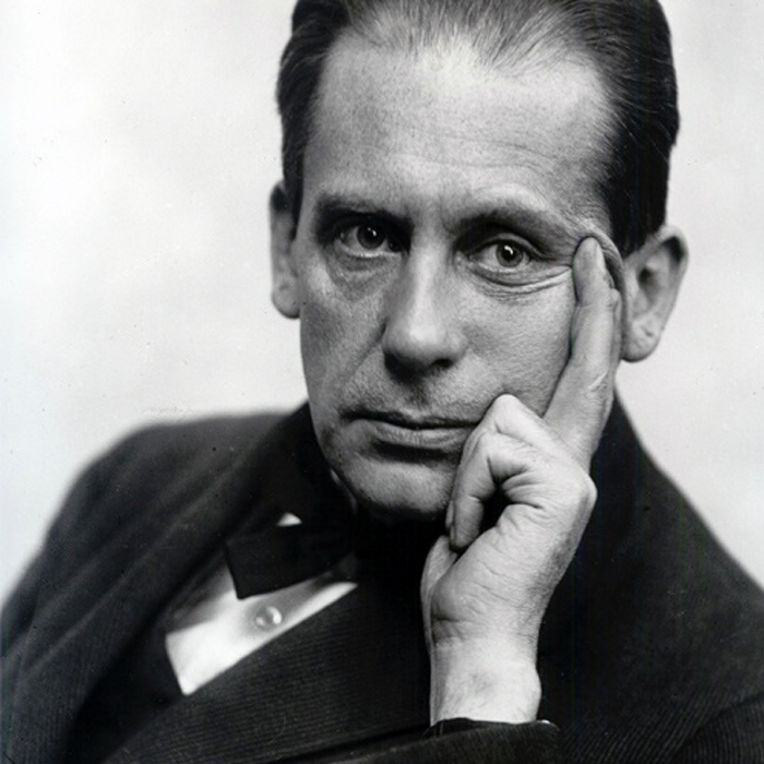 A portrait of Walter Gropius taken in 1919 by Louis Held